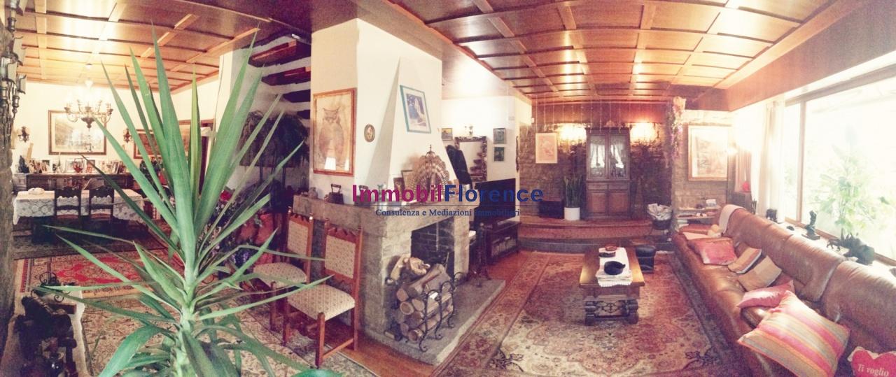Villa in buone condizioni in vendita Rif. 11624638