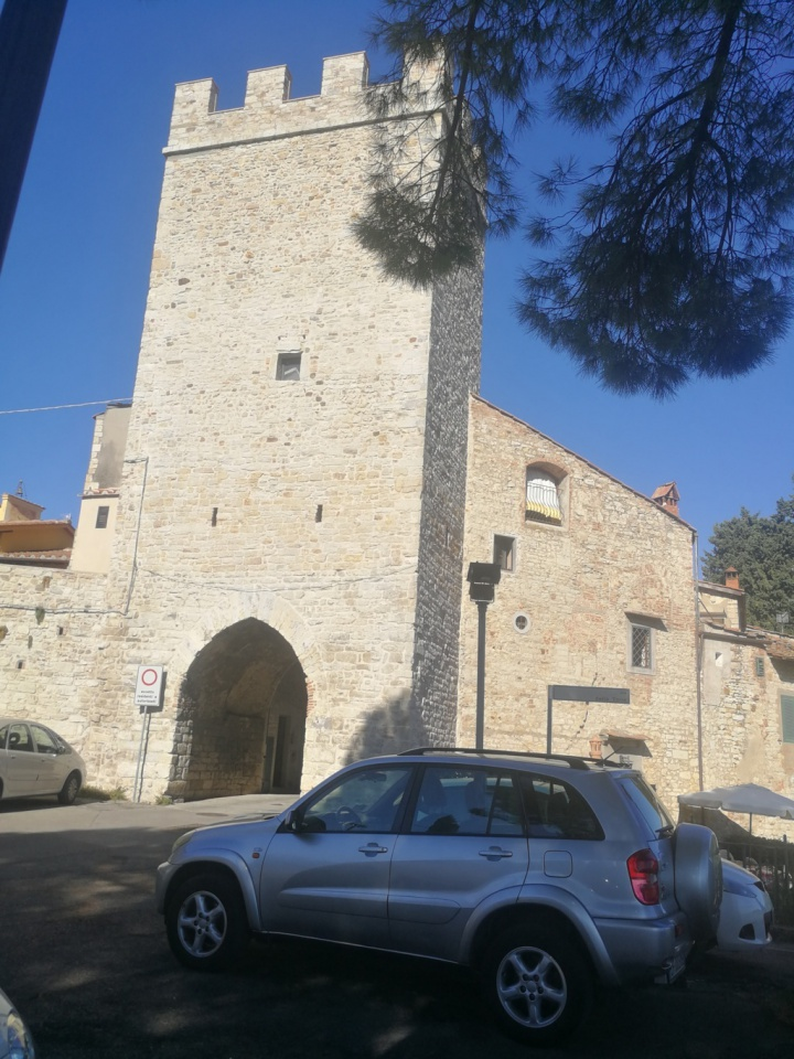 Palazzo / Stabile in vendita a Calenzano, 5 locali, prezzo € 595.000   CambioCasa.it