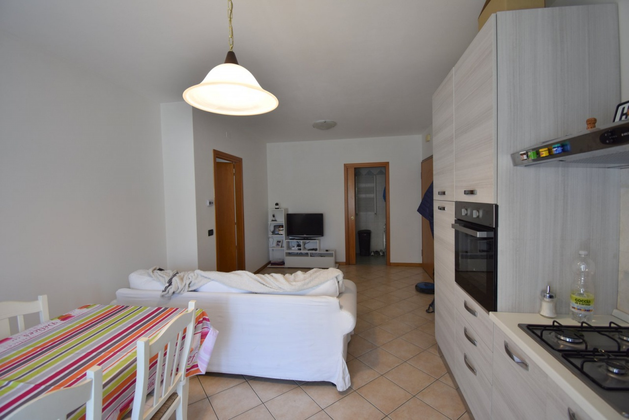 Appartamento da ristrutturare in vendita Rif. 9949603