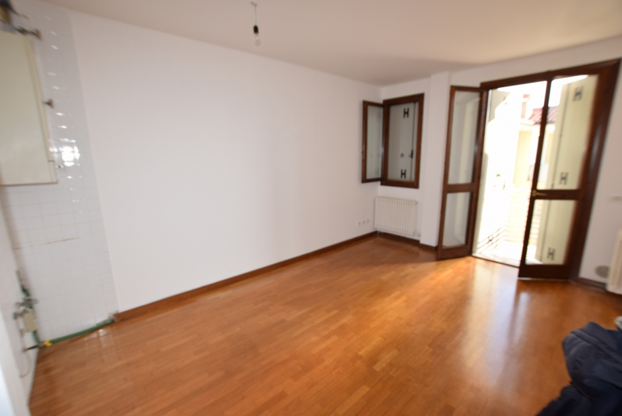 Appartamento in buone condizioni in vendita Rif. 10094839
