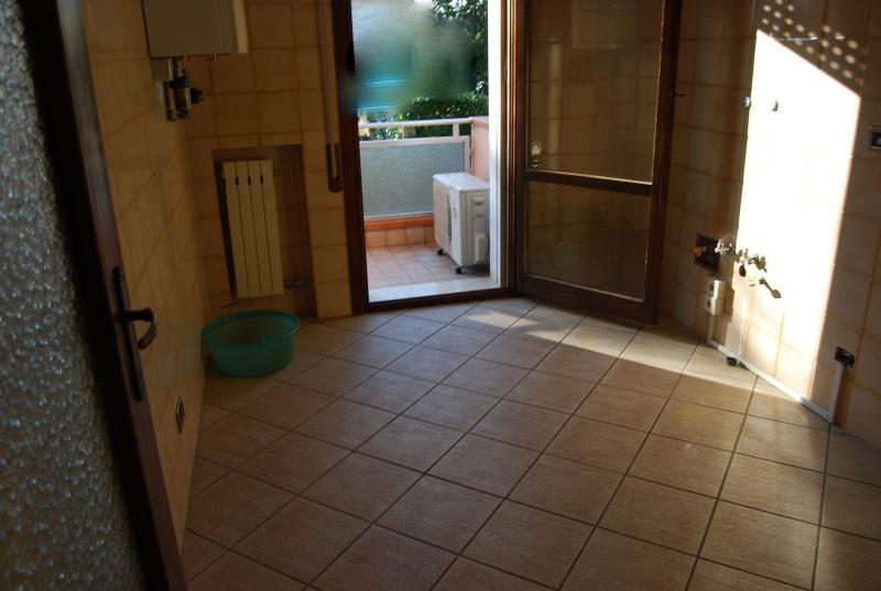 Appartamento in buone condizioni in vendita Rif. 12176871