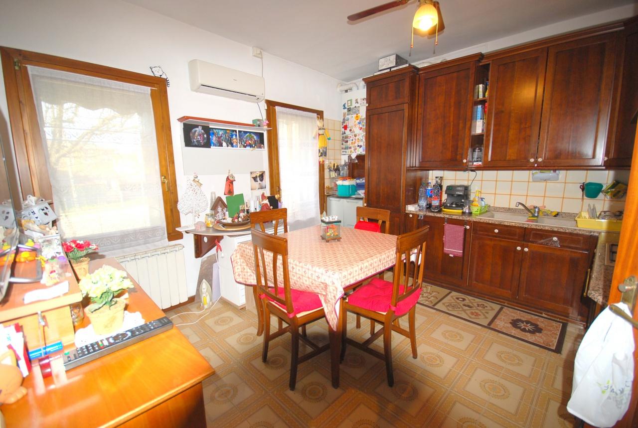 Appartamento in vendita a Salzano, 3 locali, prezzo € 95.000 | CambioCasa.it