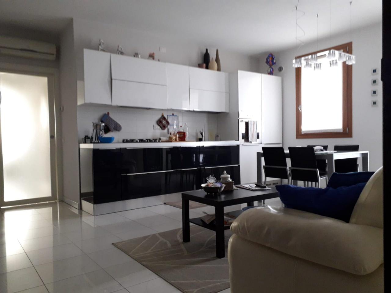 Appartamento in vendita a Salzano, 3 locali, Trattative riservate | CambioCasa.it