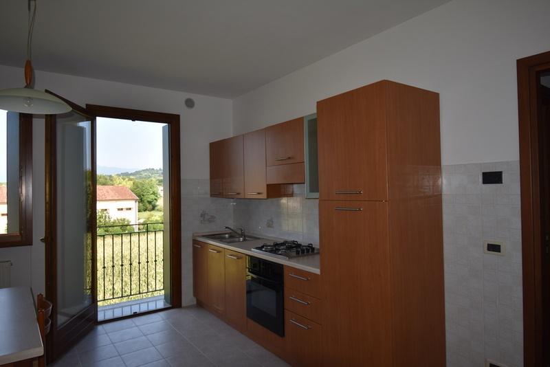 Appartamento in vendita a Susegana, 3 locali, prezzo € 80.000   CambioCasa.it