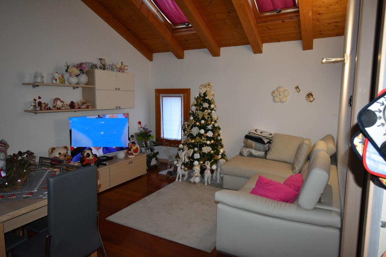 Appartamento in vendita a San Fior, 3 locali, prezzo € 130.000   CambioCasa.it