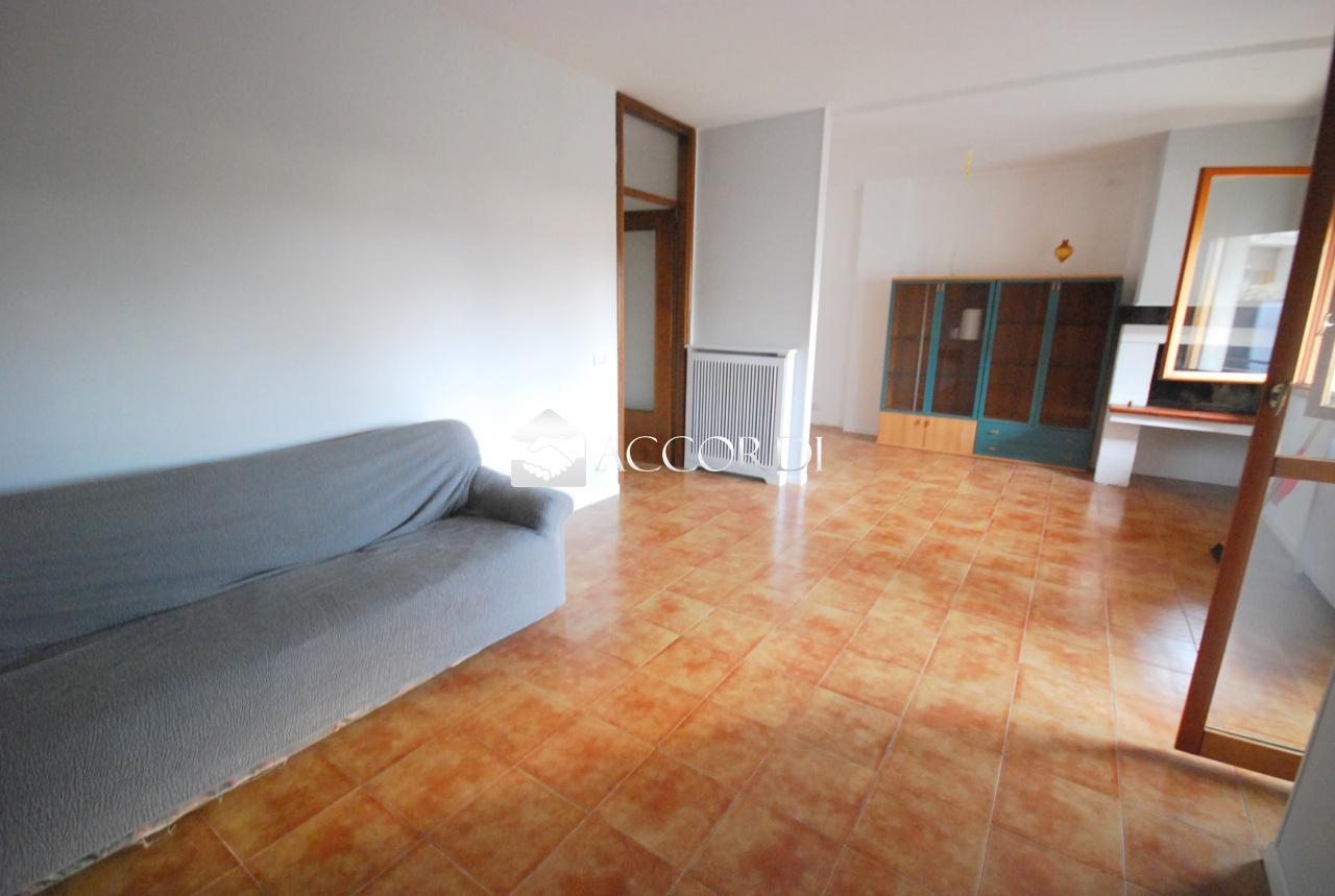 Appartamento in vendita a Godega di Sant'Urbano, 3 locali, prezzo € 77.000 | CambioCasa.it