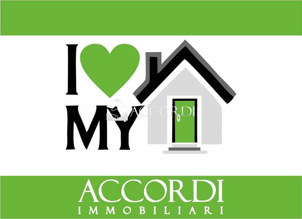 Appartamento in vendita a Salzano, 7 locali, prezzo € 179.000 | CambioCasa.it