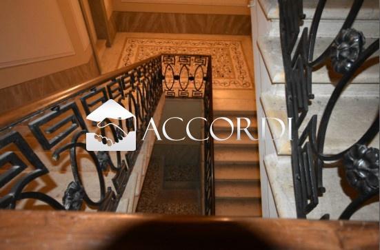 Palazzo / Stabile in Vendita a Volpago del Montello