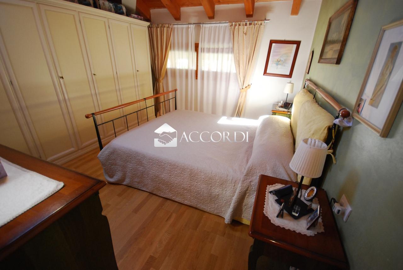 Appartamento in vendita a Santa Lucia di Piave, 3 locali, prezzo € 133.000 | CambioCasa.it