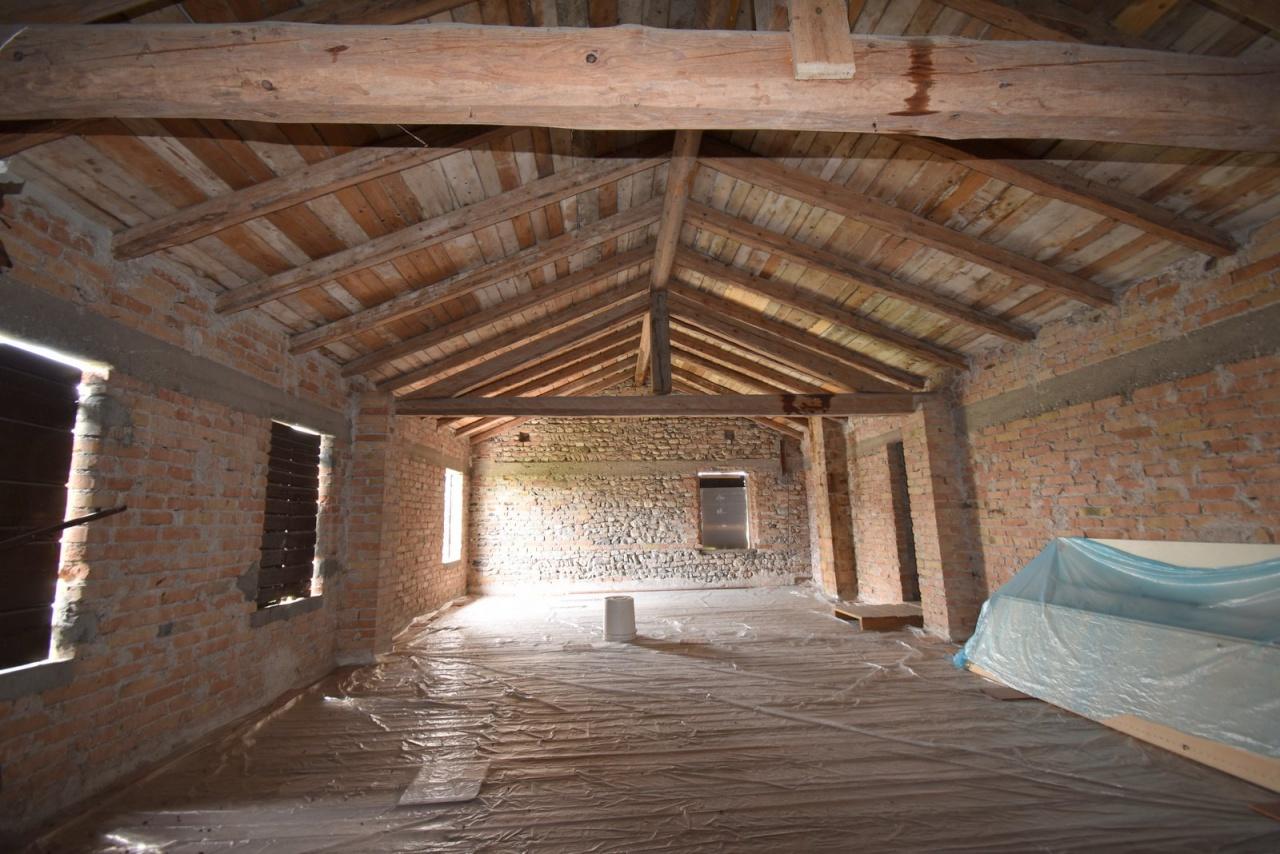 Rustico / Casale in Vendita a Santa Lucia di Piave