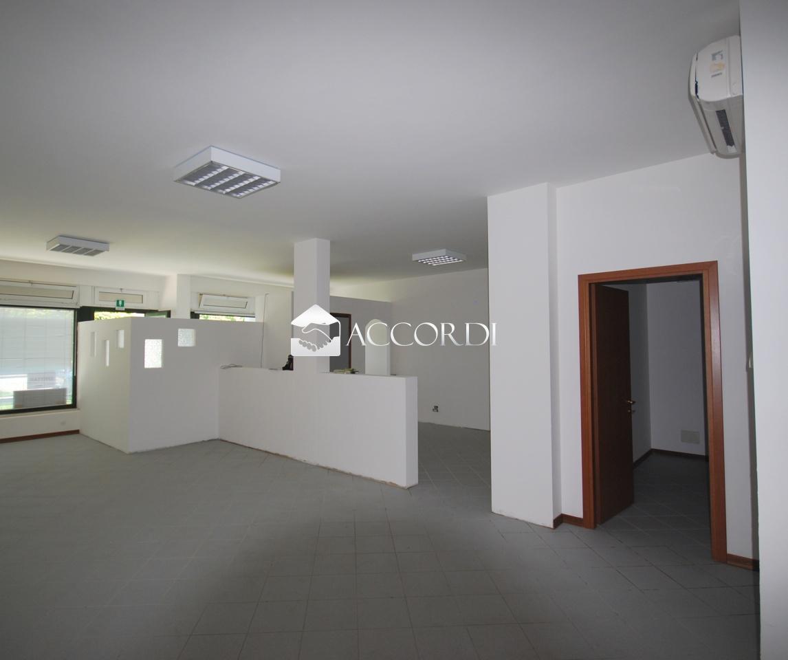 Ufficio / Studio in vendita a San Vendemiano, 4 locali, prezzo € 120.000 | CambioCasa.it