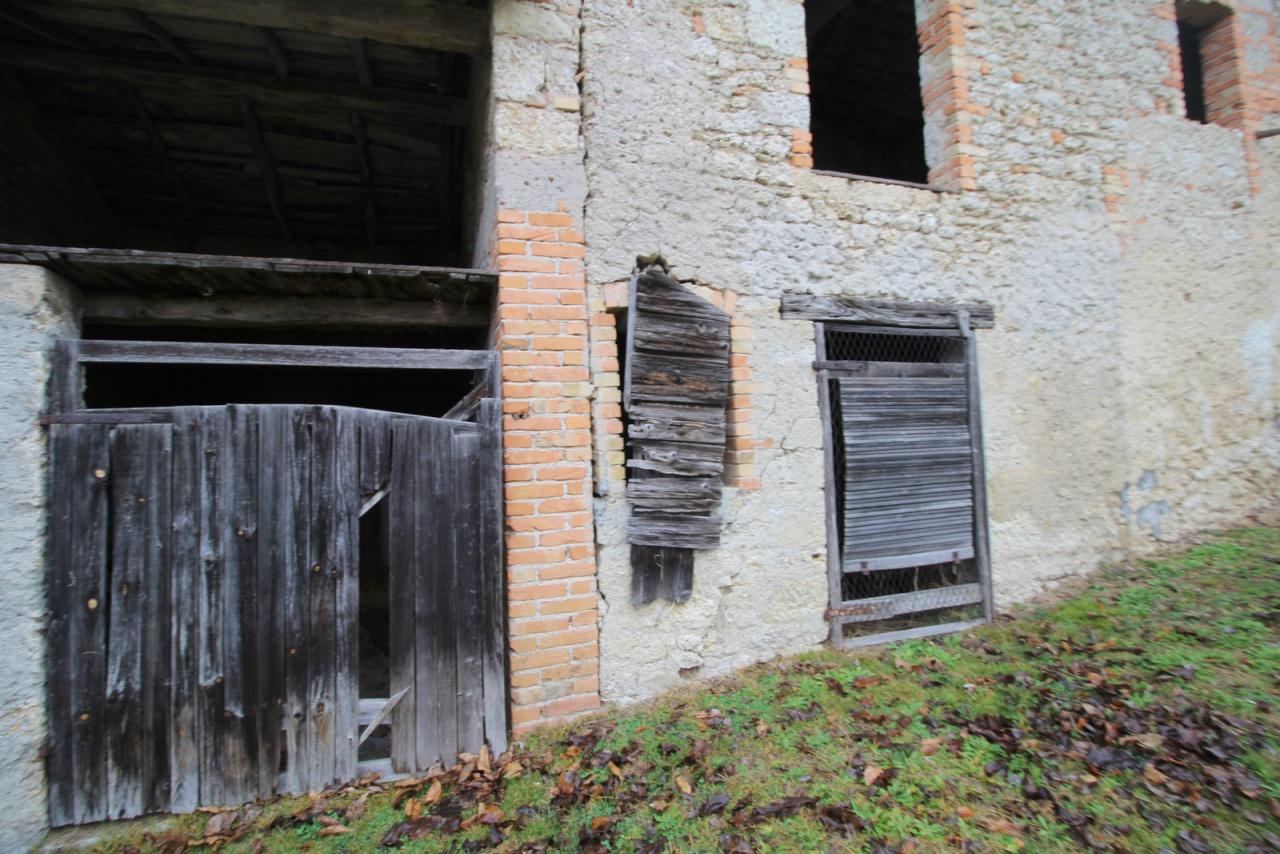 Rustico / Casale in Vendita a San Pietro di Feletto
