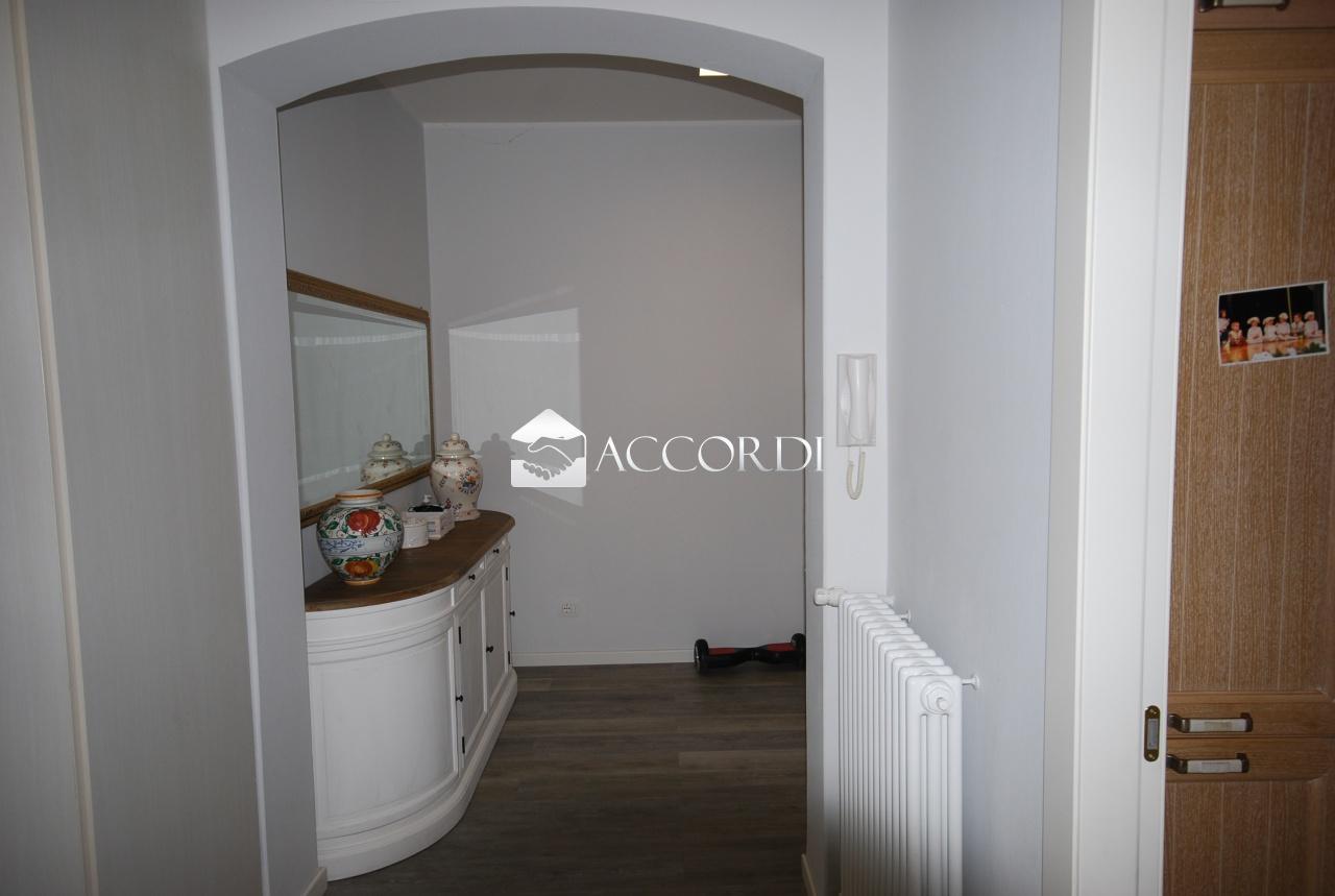 Appartamento in vendita a Conegliano, 5 locali, prezzo € 165.000   CambioCasa.it