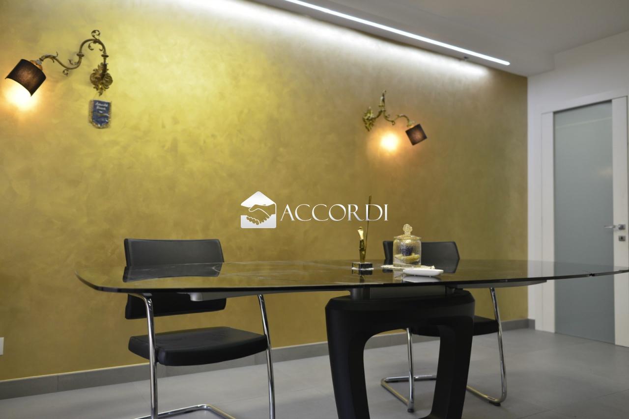 Appartamento in vendita a Conegliano, 5 locali, prezzo € 188.000   CambioCasa.it