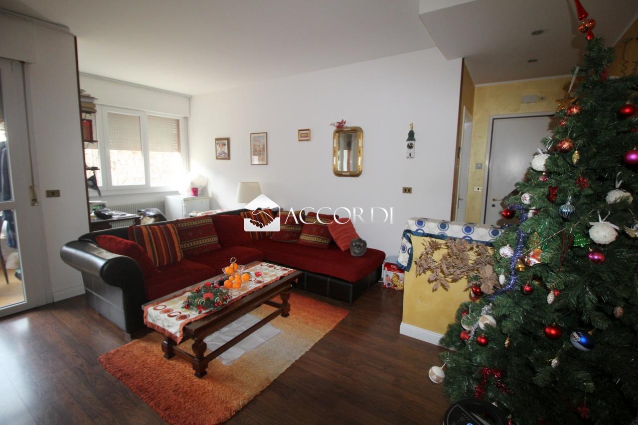 Appartamento in vendita a Conegliano, 4 locali, prezzo € 127.000 | CambioCasa.it