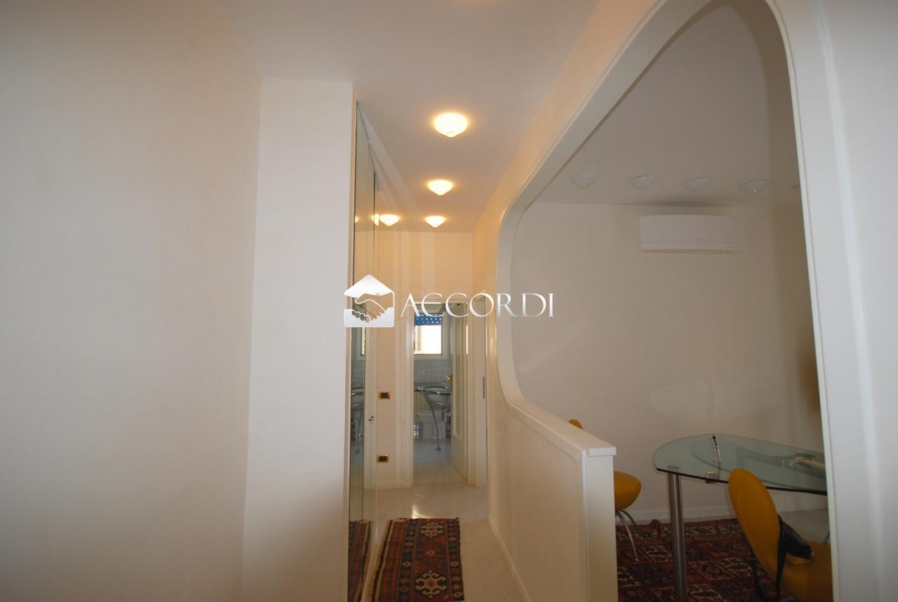 Appartamento in vendita a Venezia, 3 locali, prezzo € 155.000 | CambioCasa.it