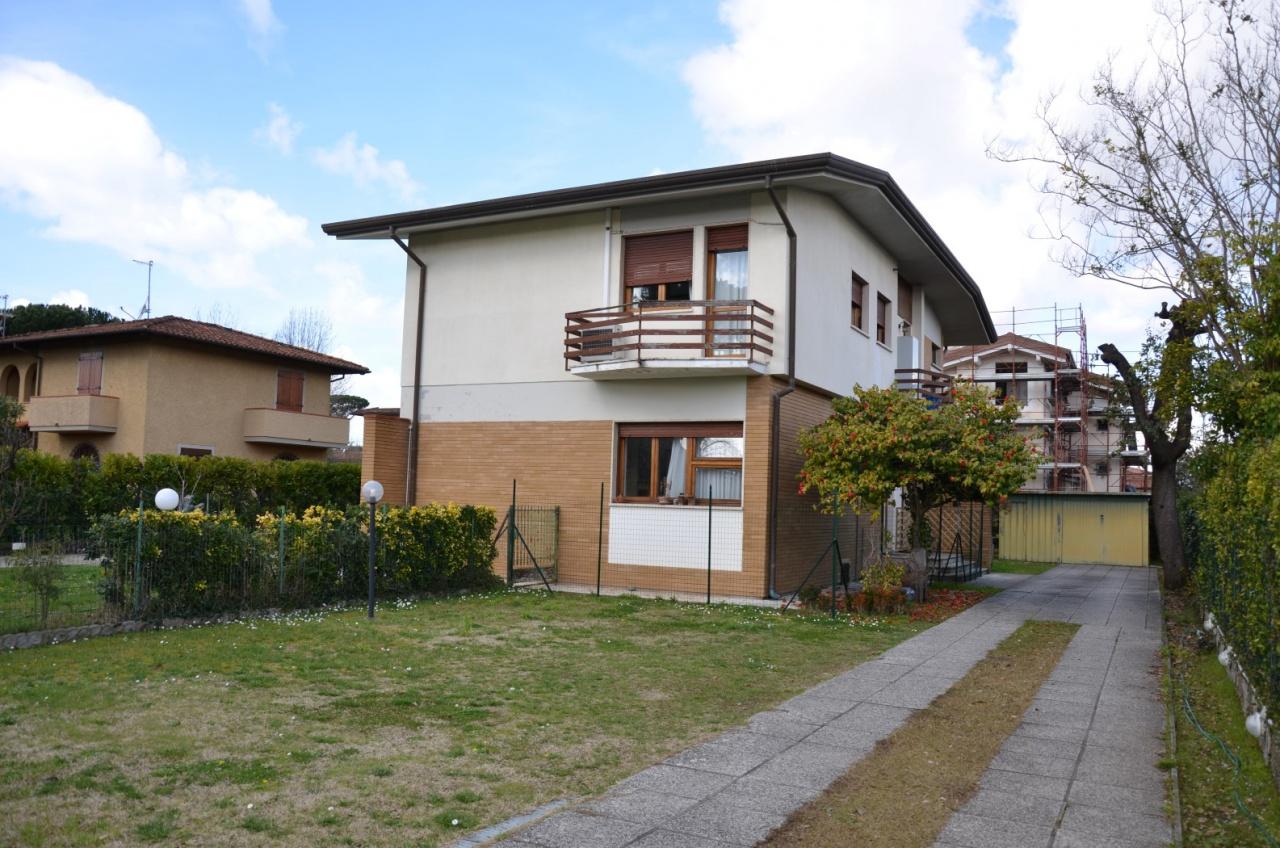 Appartamento da ristrutturare arredato in vendita Rif. 9786374