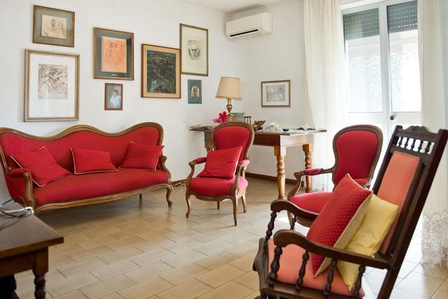 Appartamento in buone condizioni arredato in vendita Rif. 10379759