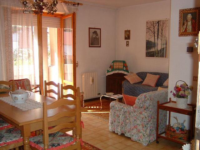 Appartamento da ristrutturare arredato in vendita Rif. 11059476