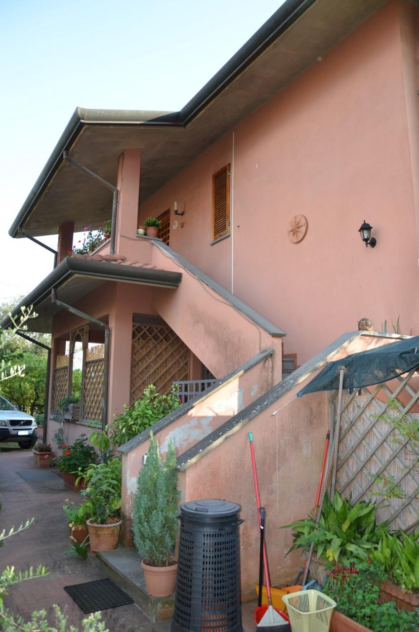 pietrasanta vendita quart:  agenzia-immobiliare-casa-2000