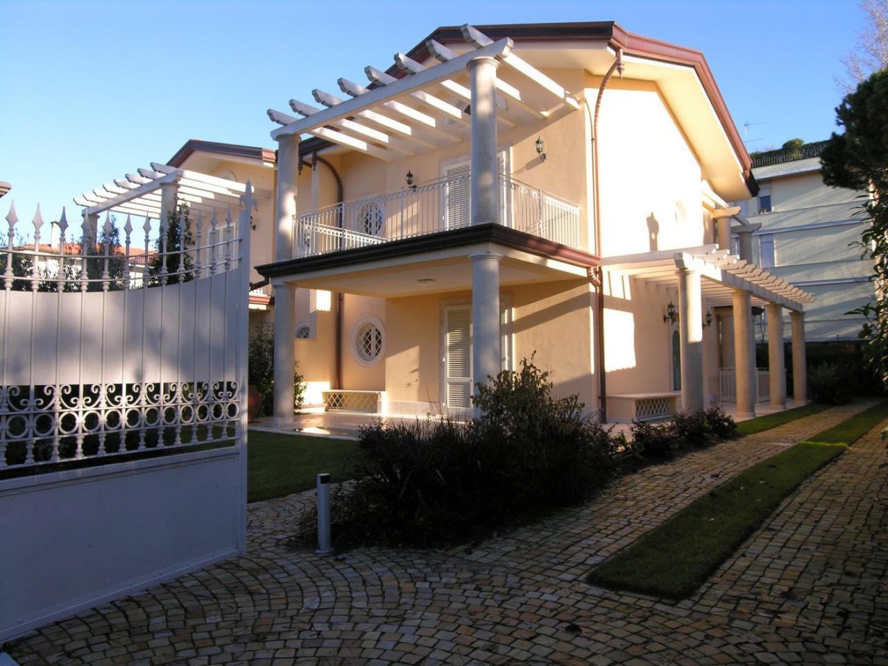 Casa Affiancata FORTE DEI MARMI 415B