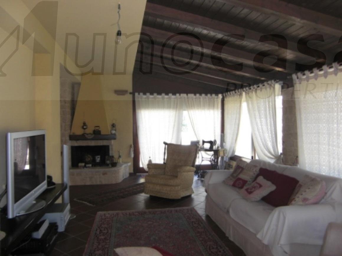 Villa in buone condizioni in vendita Rif. 10747780