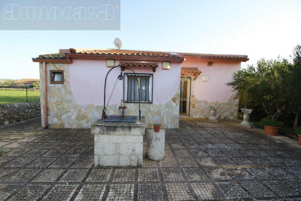 Villa in buone condizioni in vendita Rif. 10747833