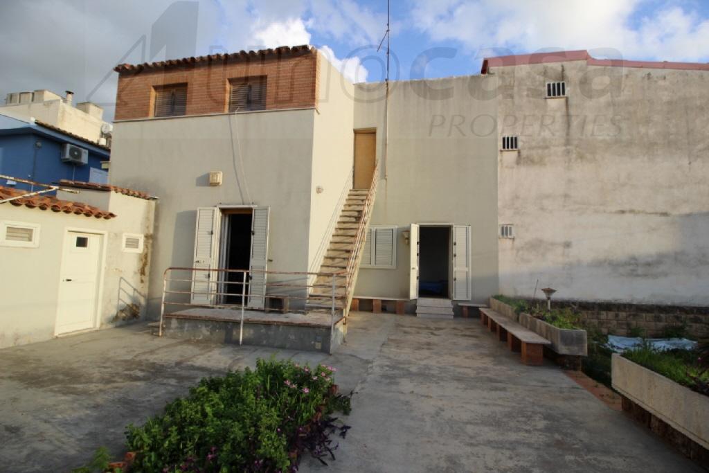 Villa in buone condizioni in vendita Rif. 11741967