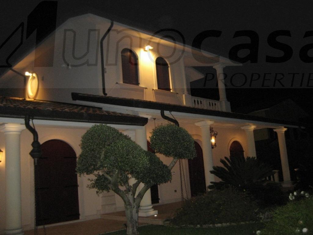 Villa 6 locali in vendita a Badia Polesine (RO)