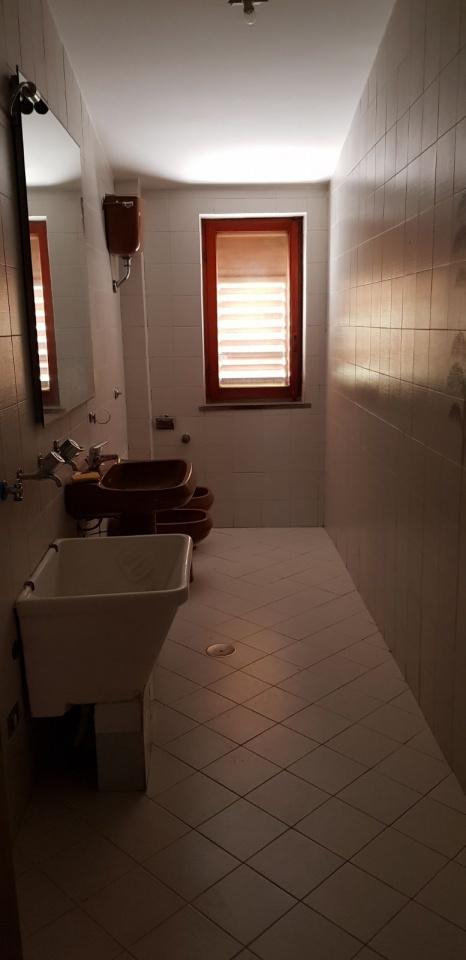 Appartamento in buone condizioni in affitto Rif. 10236966