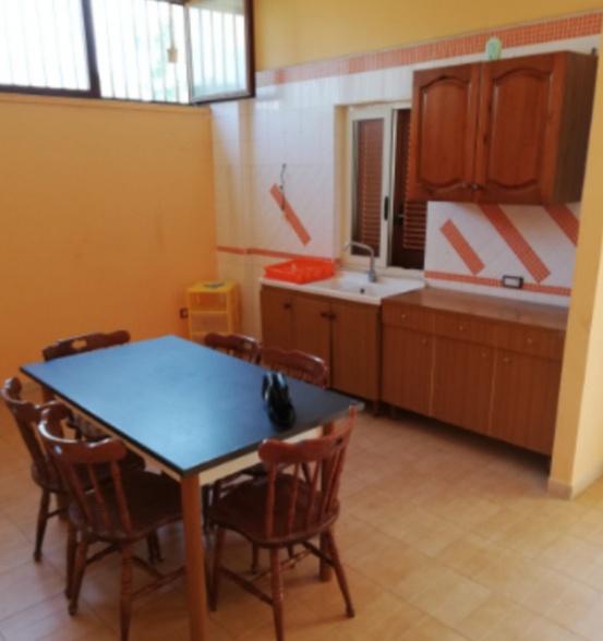 Appartamento in buone condizioni in affitto Rif. 10379760