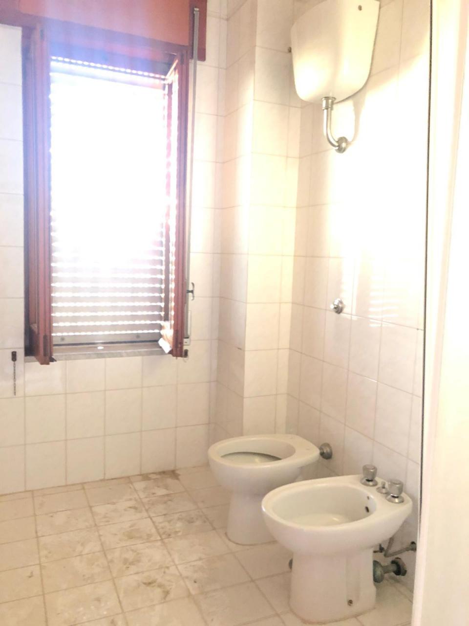 Appartamento in buone condizioni in affitto Rif. 11369932