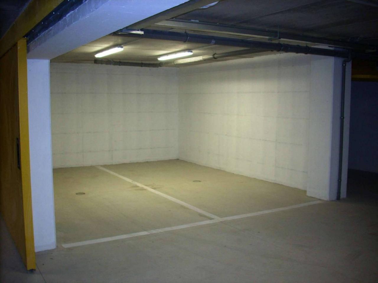 Box e posti auto in vendita Rif. 10747889