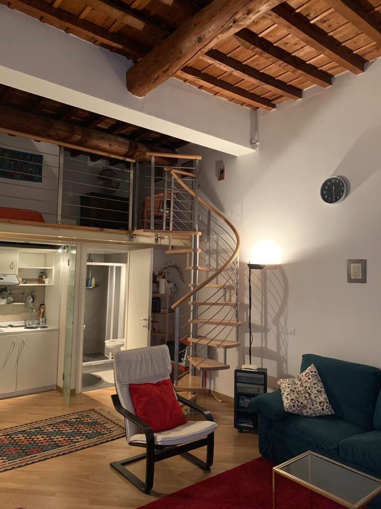 Monolocale in ottime condizioni arredato in affitto Rif. 11857081