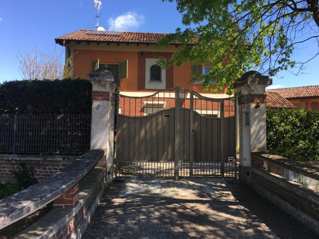 Villa quadrilocale in vendita a Maleo (LO)
