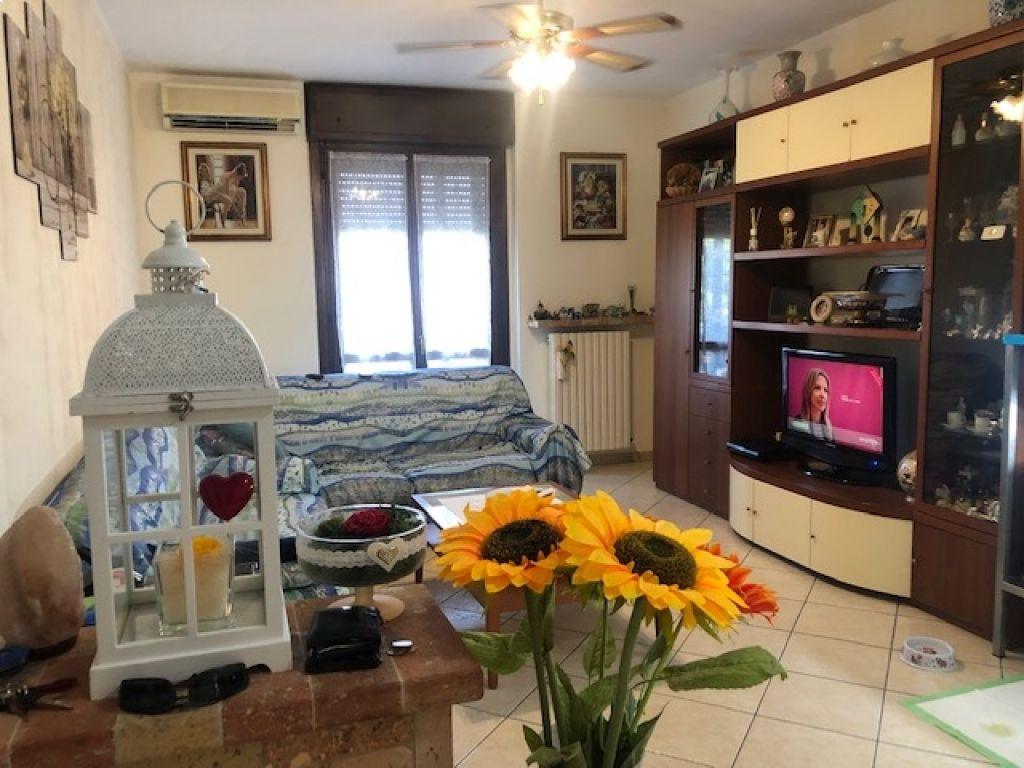 Appartamento in vendita a Castiglione d'Adda, 3 locali, prezzo € 102.000   CambioCasa.it
