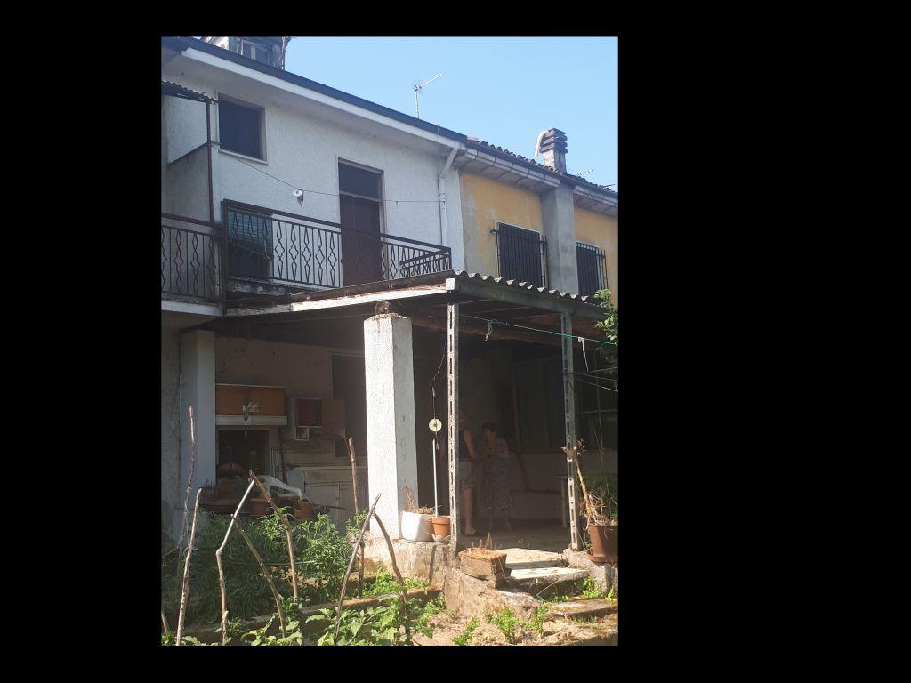 Soluzione Indipendente in vendita a Chignolo Po, 4 locali, prezzo € 75.000 | CambioCasa.it