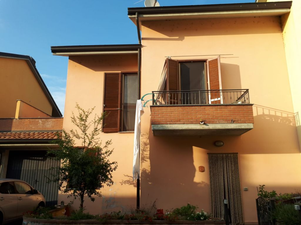 Villa quadrilocale in vendita a Casalpusterlengo (LO)