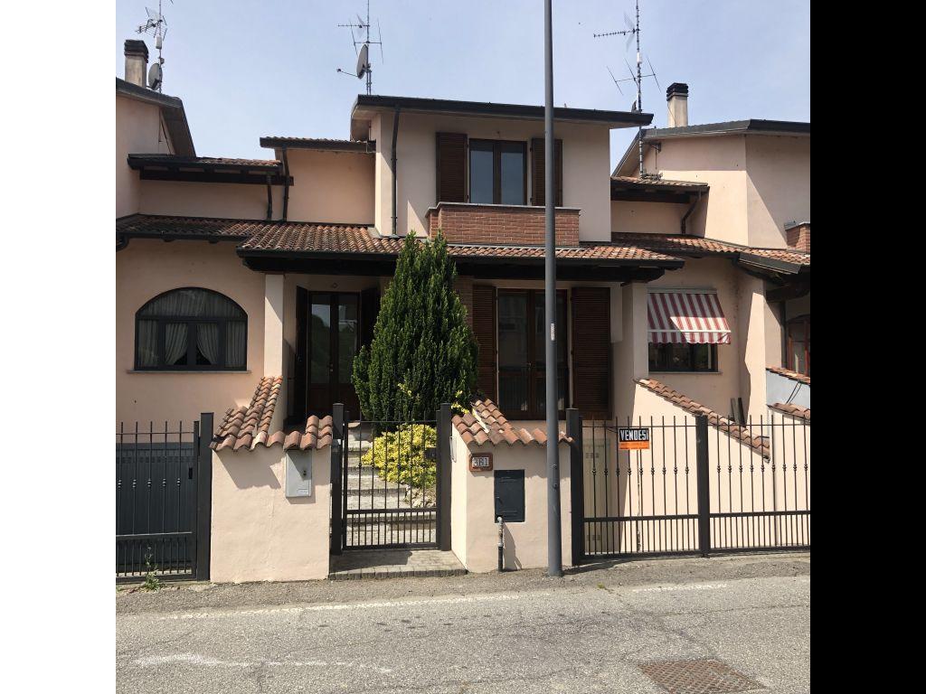 Villa a Schiera in vendita a Chignolo Po, 3 locali, prezzo € 125.000 | CambioCasa.it