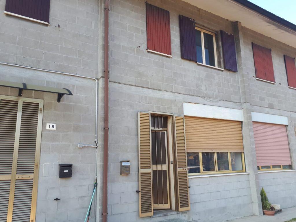 Casa semi indipendente trilocale in vendita a San Fiorano (LO)