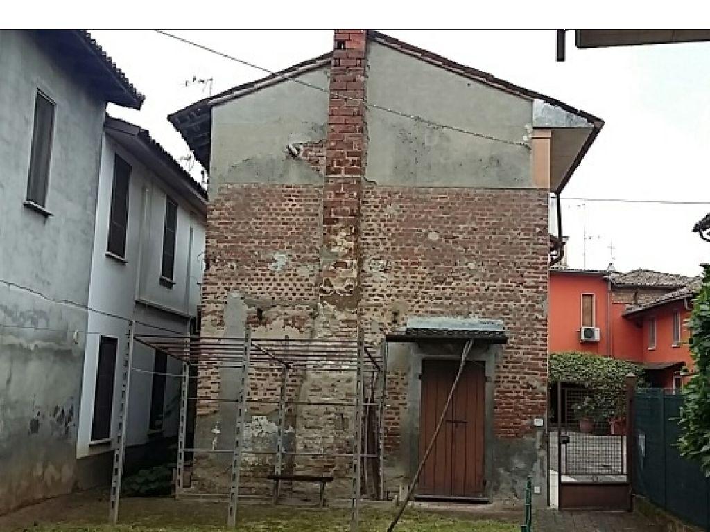 Rustico / Casale in vendita a Chignolo Po, 4 locali, prezzo € 29.000 | CambioCasa.it