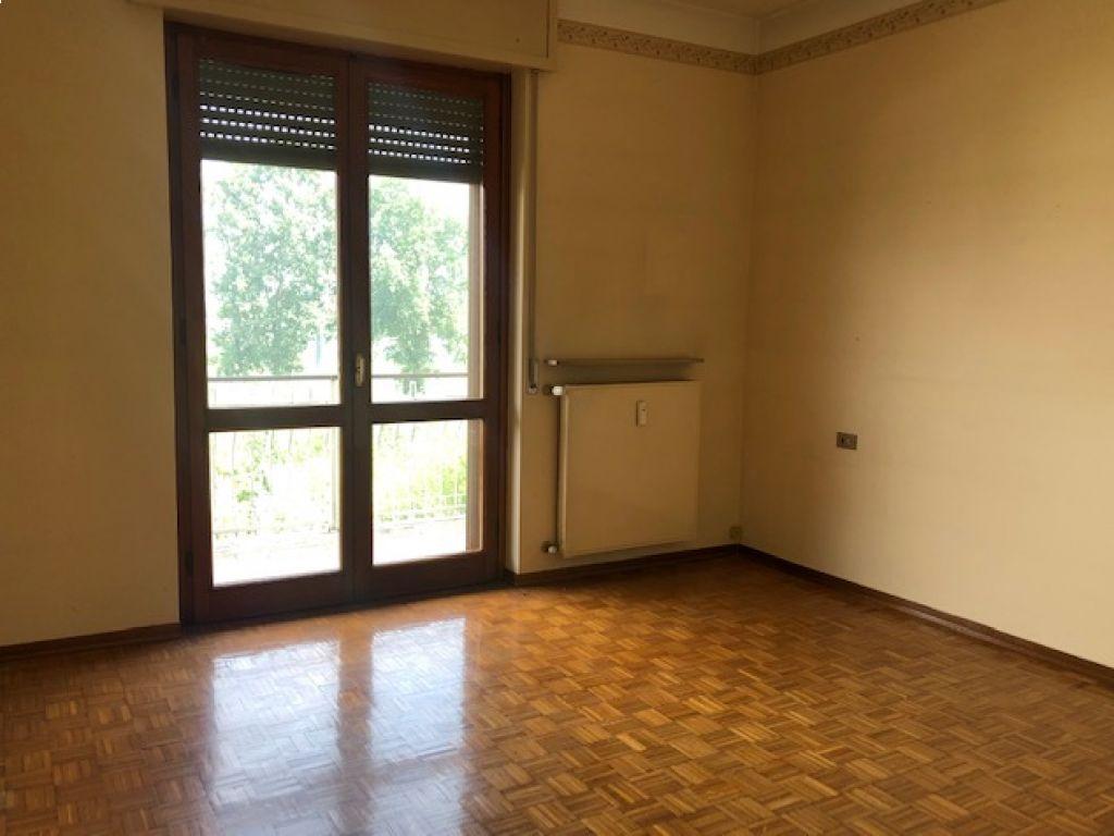 Appartamento trilocale in vendita a Codogno (LO)