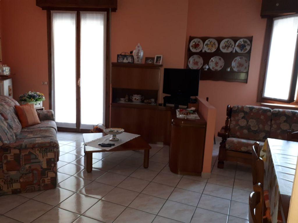 Casa indipendente 5 locali in vendita a Caselle Landi (LO)-2