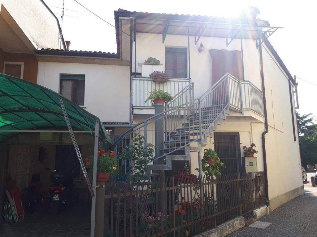Casa indipendente 5 locali in vendita a Caselle Landi (LO)-8