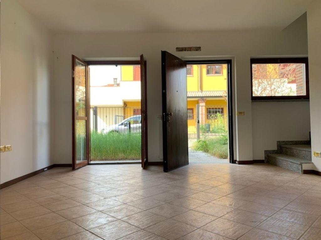 Villa a Schiera in vendita a Badia Pavese, 4 locali, prezzo € 115.000 | CambioCasa.it