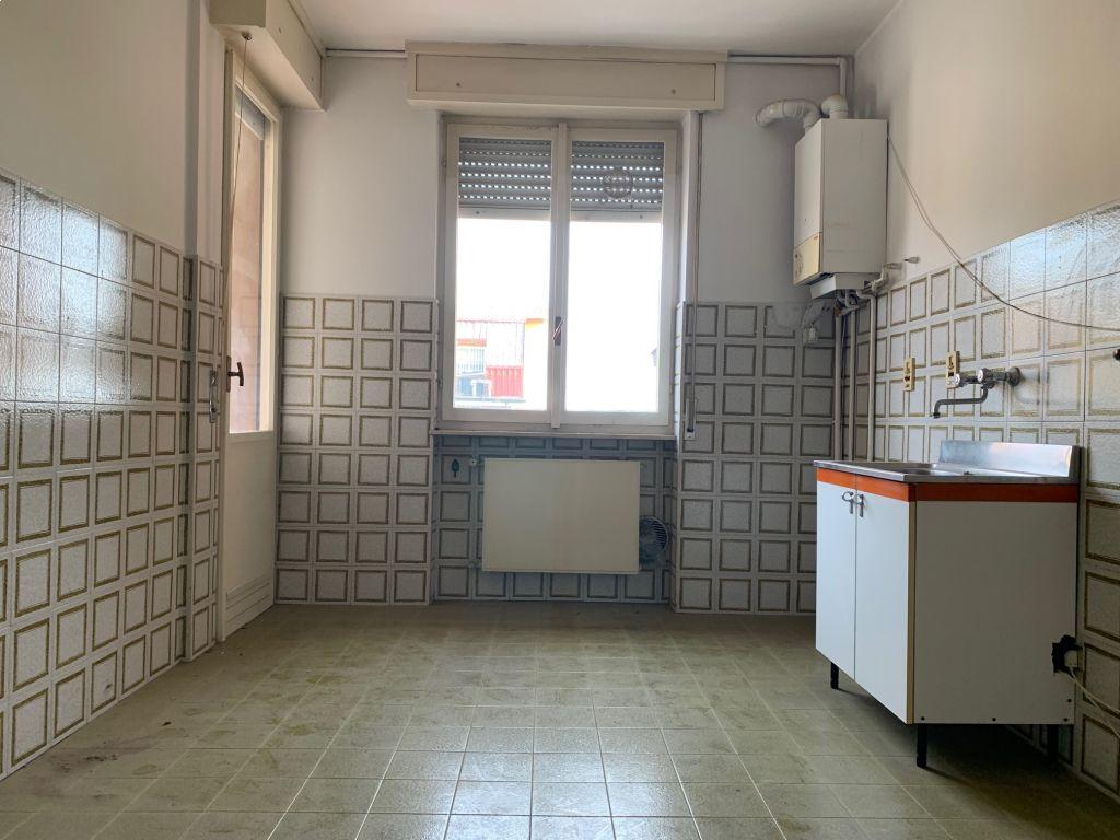 Appartamento in vendita a Casalpusterlengo, 3 locali, prezzo € 75.000   CambioCasa.it