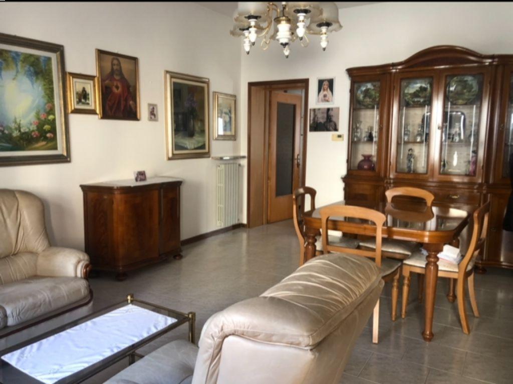 Soluzione Semindipendente in vendita a Castiglione d'Adda, 4 locali, prezzo € 110.000   CambioCasa.it