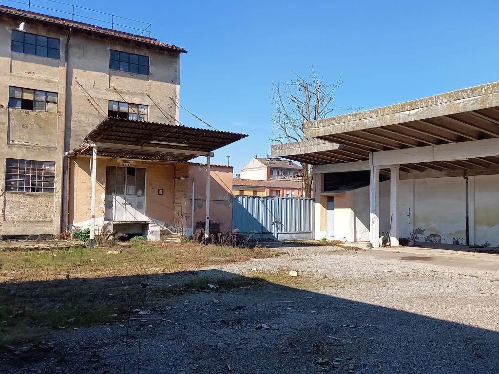 Casa indipendente quadrilocale in vendita a Sant'Angelo Lodigiano (LO)-6