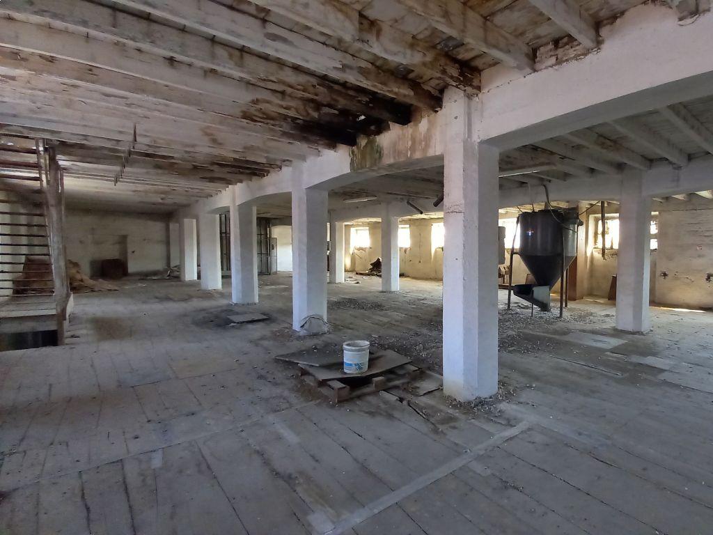 Casa indipendente quadrilocale in vendita a Sant'Angelo Lodigiano (LO)-8