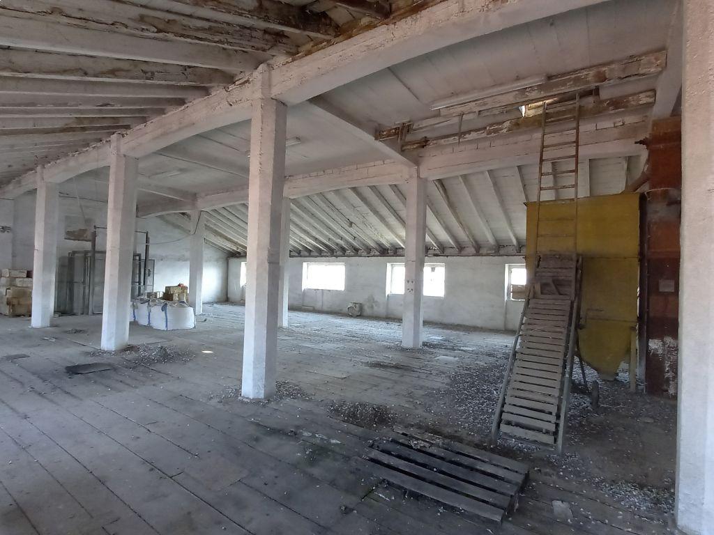 Casa indipendente quadrilocale in vendita a Sant'Angelo Lodigiano (LO)-9